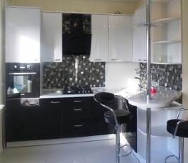 Кухонный гарникур на заказ в Калининграде